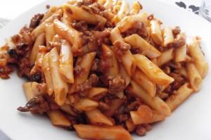 Macarrones con tomate y carne picada by T®e